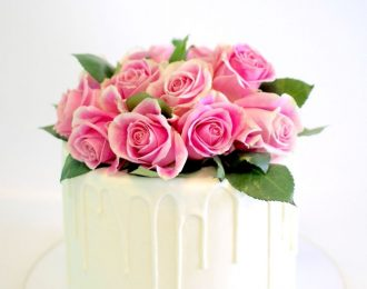 Fresh Roses Cake