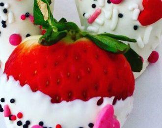 Chocolate Covered Strawberries (Dozen)